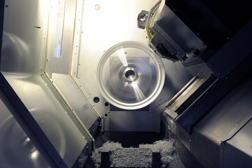 image of alloy wheel being diamond cut