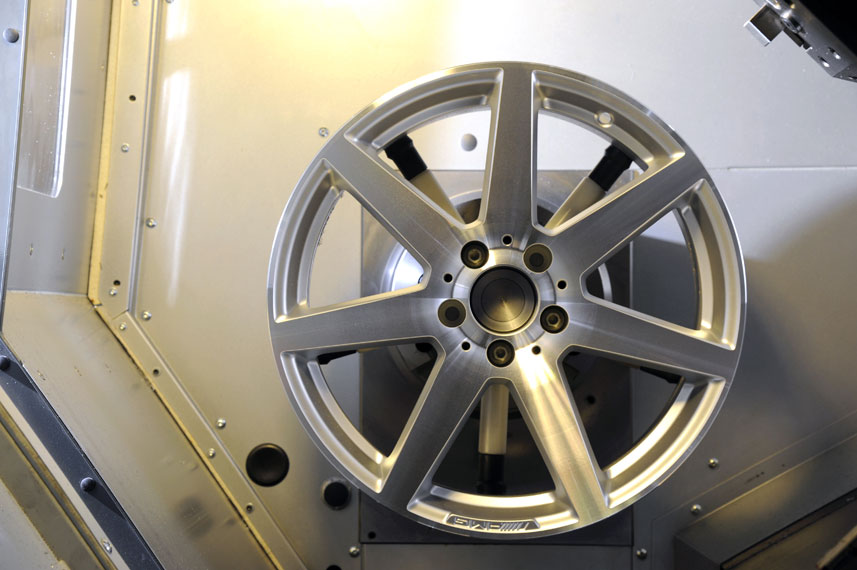 image of alloy wheel being diamond cut