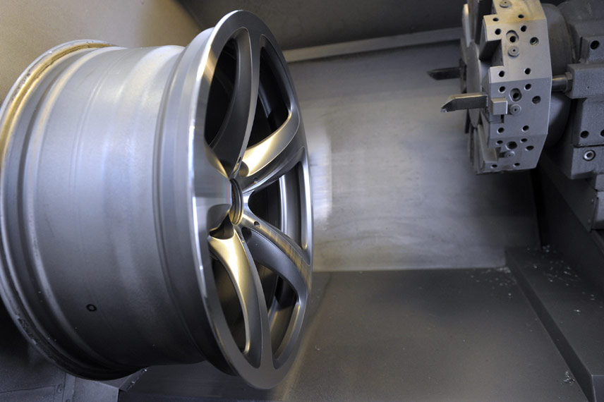 image of alloy wheel diamond cut